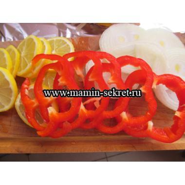 Горбуша запеченная с лимоном и паприкой