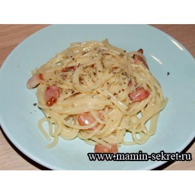 Спагетти карбонара с беконом по домашнему